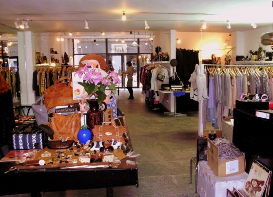 Jutka and Riska Store